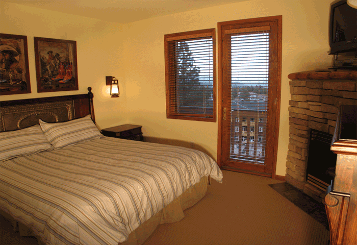 Eagle Run Townhomes in Mammoth, large master suites
