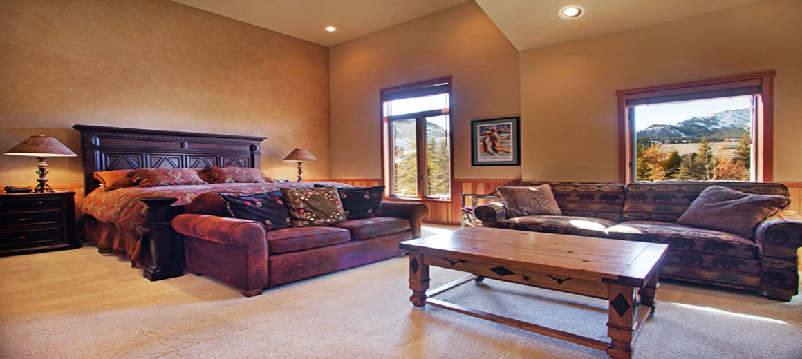 Snowcreek master bedroom suite